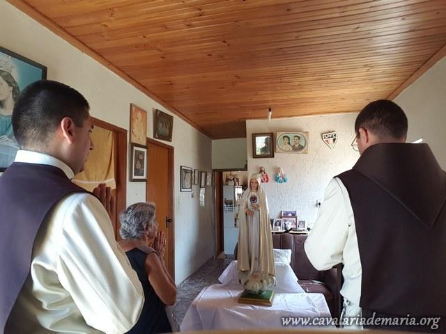 Em Novo Horizonte – SP, visitas da imagem peregrina