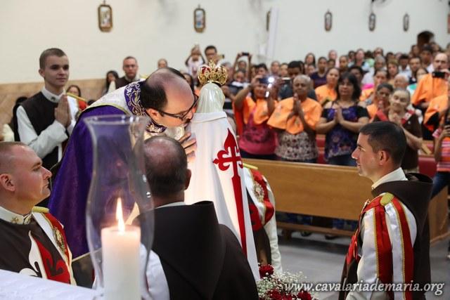 Em Sandovalina – SP, encerramento da Semana Missionária e Procissão luminosa