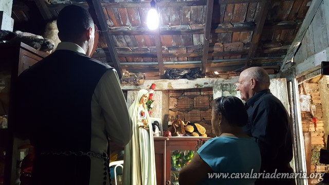 Em Cambará – PR, na Paróquia Nossa Senhora Aparecida, visitas da imagem peregrina