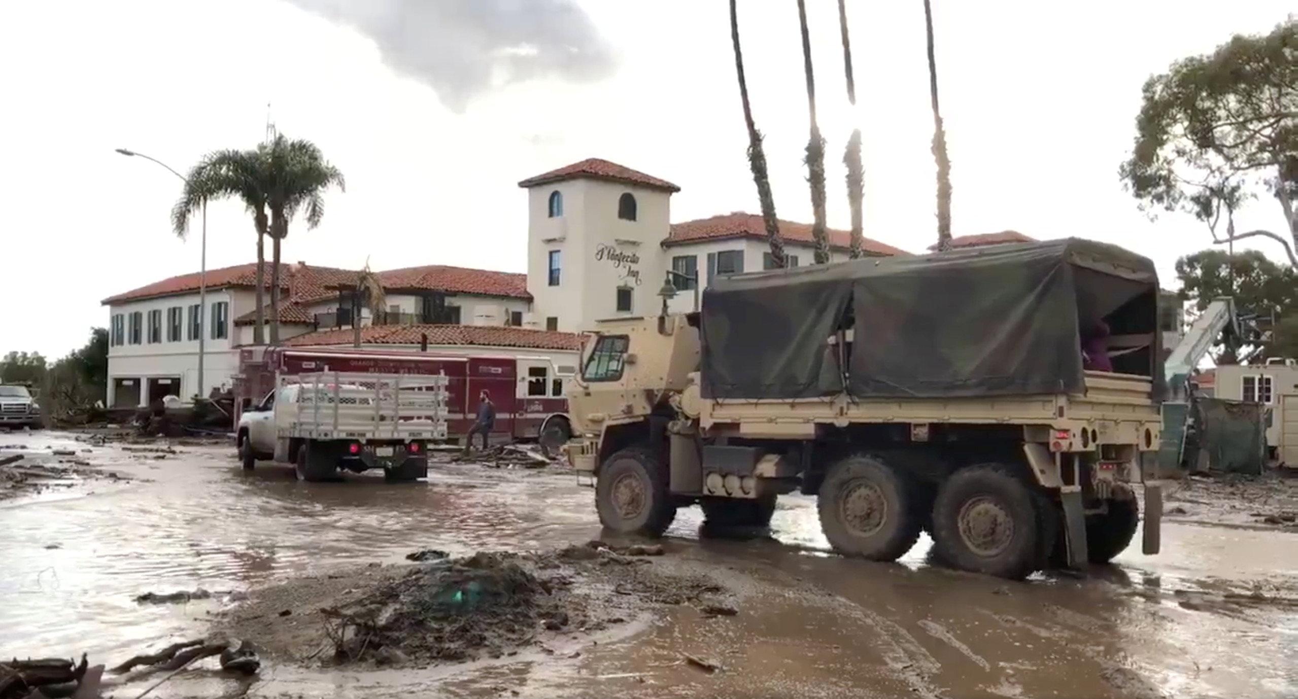 Ascienden a 18 los muertos por el deslave en California