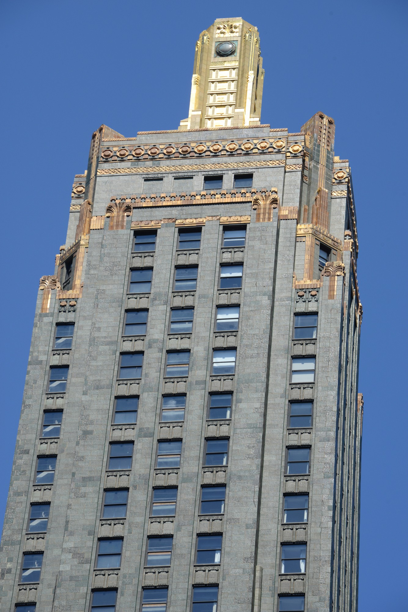 Carbide and Carbon Building · Buildings of Chicago ...