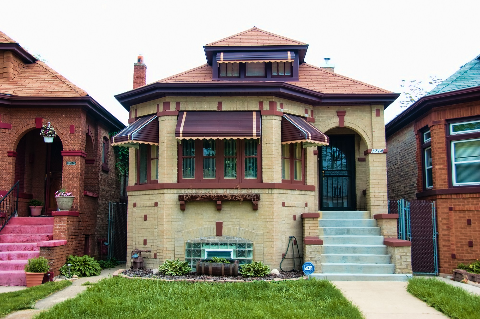 chicago bungalow · buildings of chicago · chicago architecture