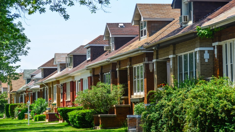 Chicago bungalow buildings of chicago chicago - What is a bungalow ...