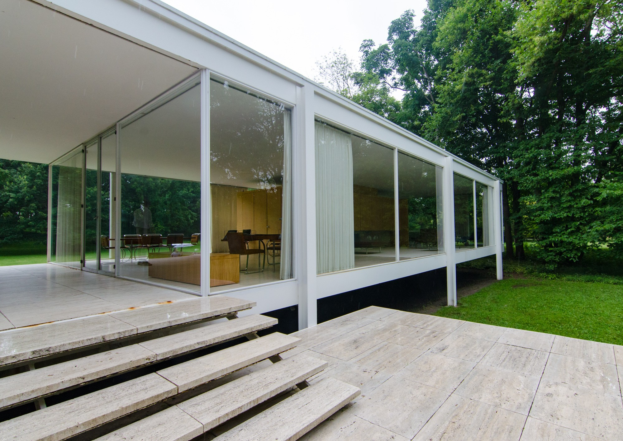 Behind the tour Farnsworth House Chicago Architecture