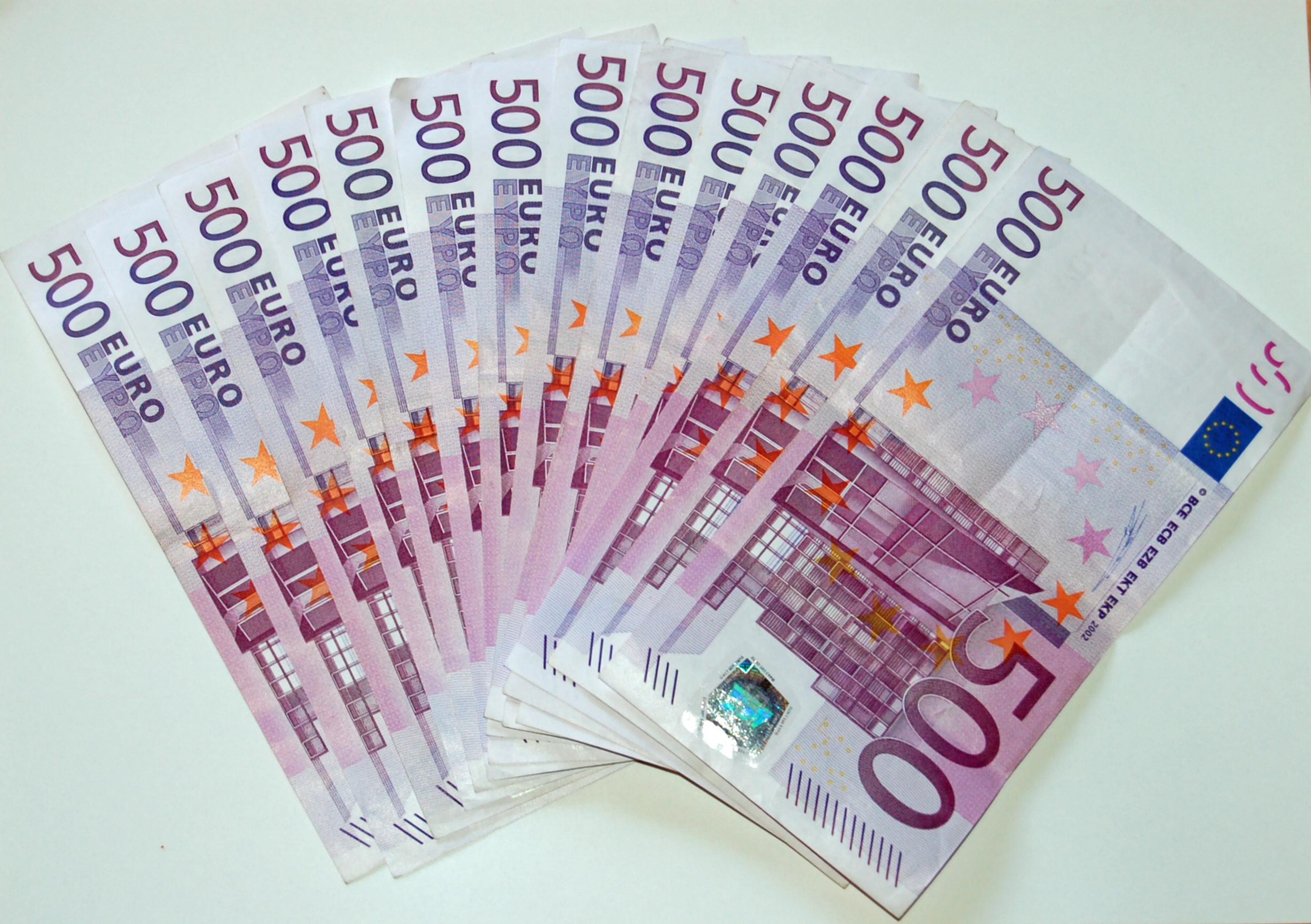 500_Euro_Banknotes