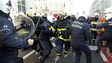 BrusselsFireman2-12-13-2013