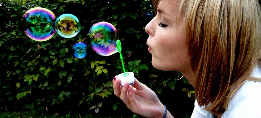 blowing_bubbles