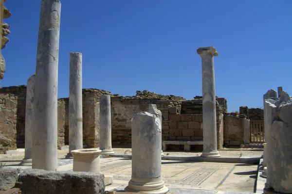 Delos Temple-of-Apollo3 (1)