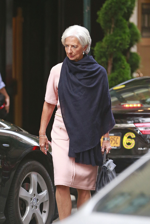 Lagarde-10000 Euro outfit