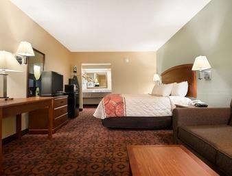 Days Inn in Roanoke Rapids, NC