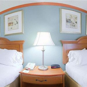 Holiday Inn Express Suites Phoenix Airport