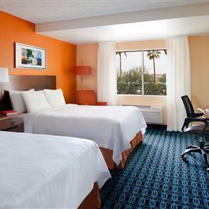 Fairfield Inn &#038; Suites Phoenix Airport><span class=