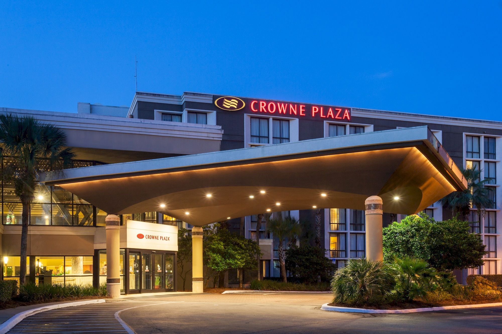 Crowne Plaza Hotels & Resorts, is ready for its guest 24/7, with connectivity that works, food that delicious and hygienic, meetings and fitness that works. Every hotel of Crowne Plaza is designed to help today's business people, work, leisure and restore.