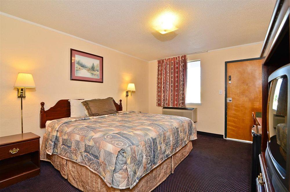 Amercas Best Value Inn in St George, SC