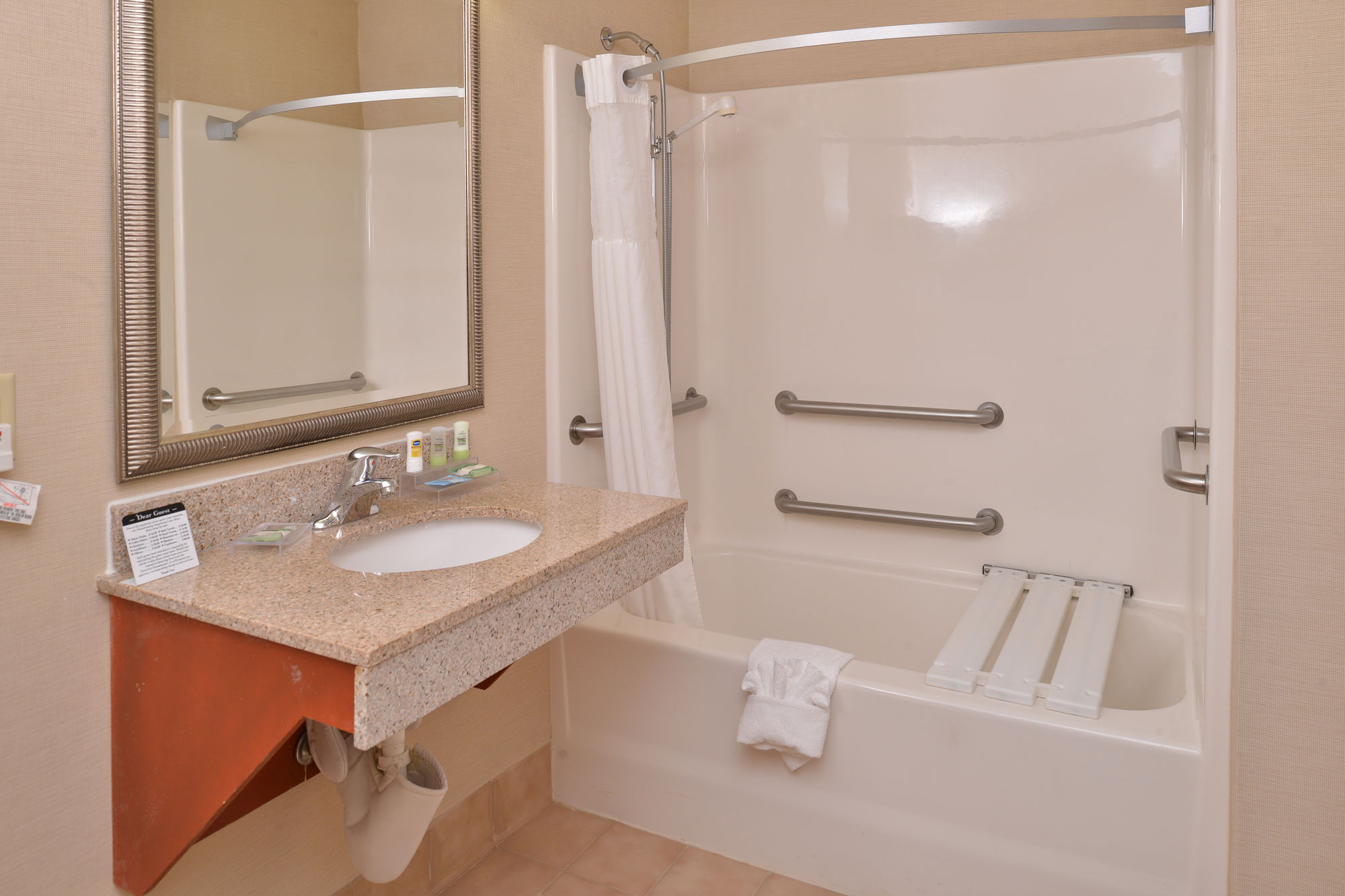 Country Inn & Suites by Carlson, Stone Mountain in Stone Mountain, GA