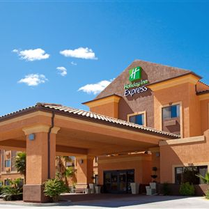 Holiday Inn Express Suites Kingman