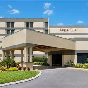 Doubletree By Hilton Hotel Orlando East-University