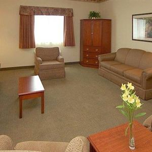 La Quinta Inn And Suites Louisville Airport & Expo