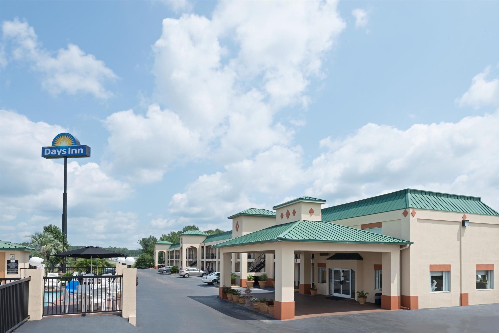 Days Inn in Greenville, AL