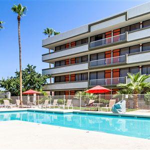 Clarion Hotel Phoenix Tech Center><span class=