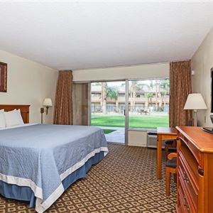 Hotels & Motels in Bakersfield