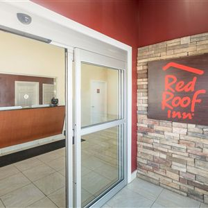 Red Roof Inn & Suites Baltimore in Baltimore, MD
