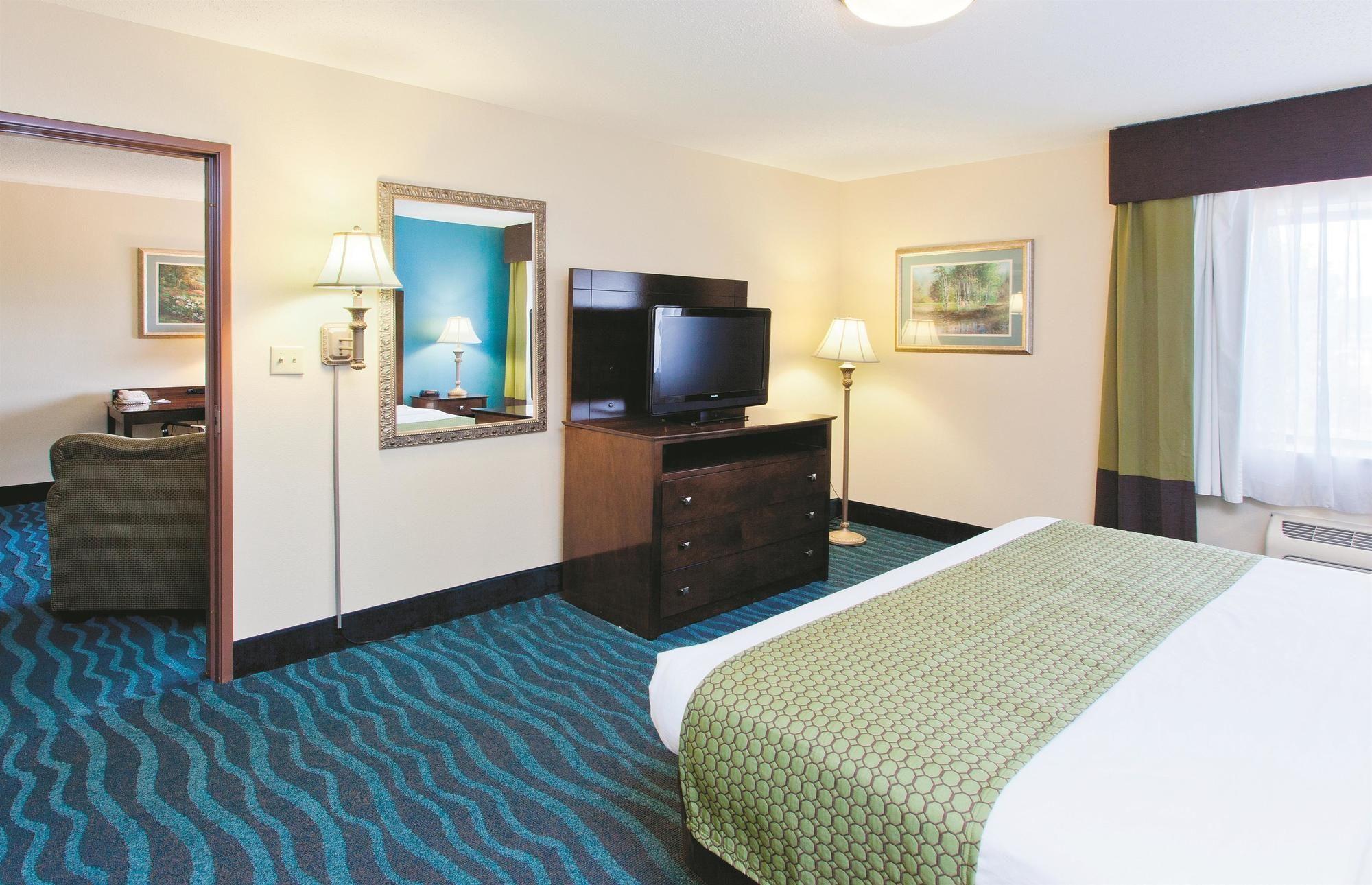 LaQuinta Inn & Suites in Goodlettsville, TN