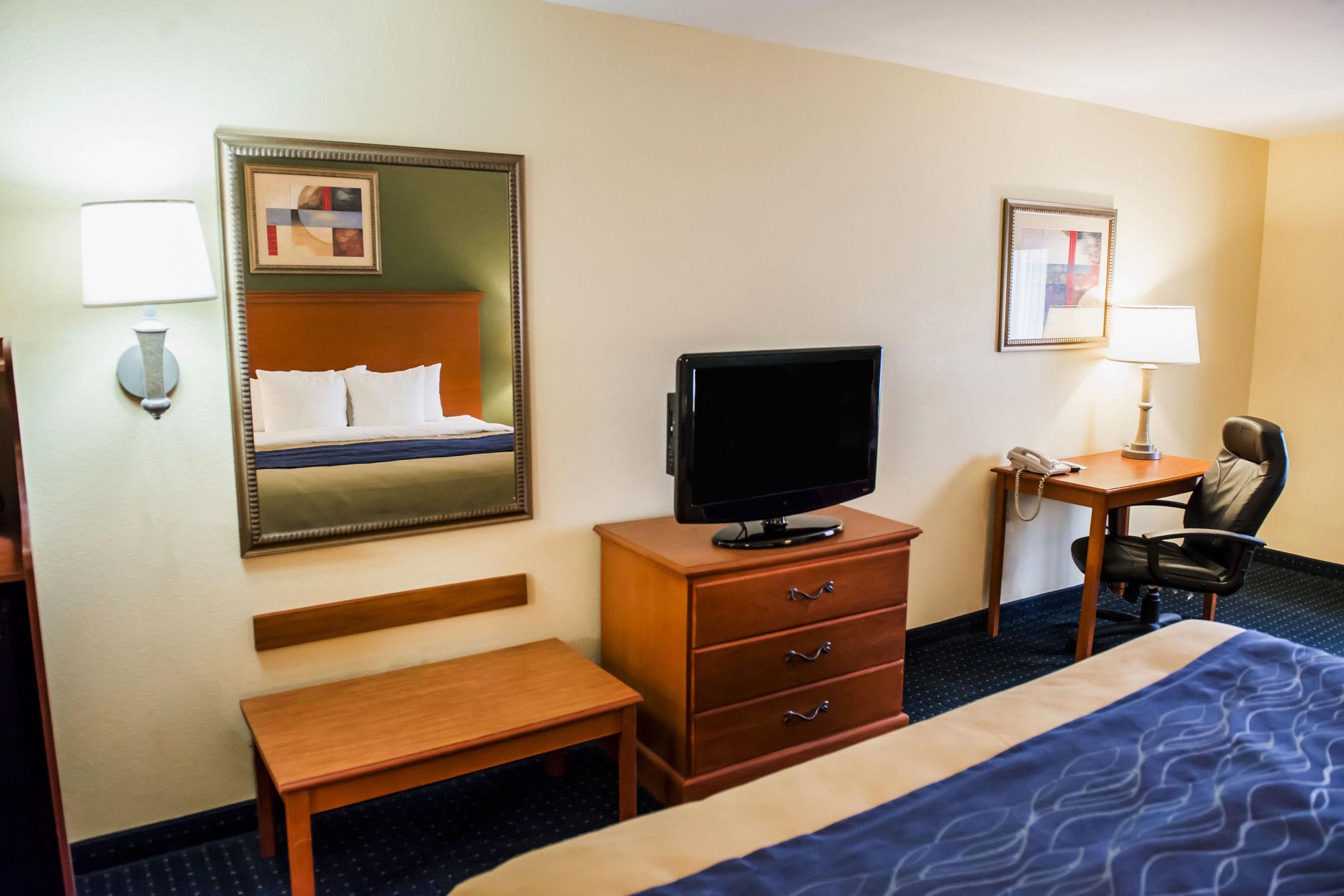 Comfort Inn & Suites in Chipley, FL