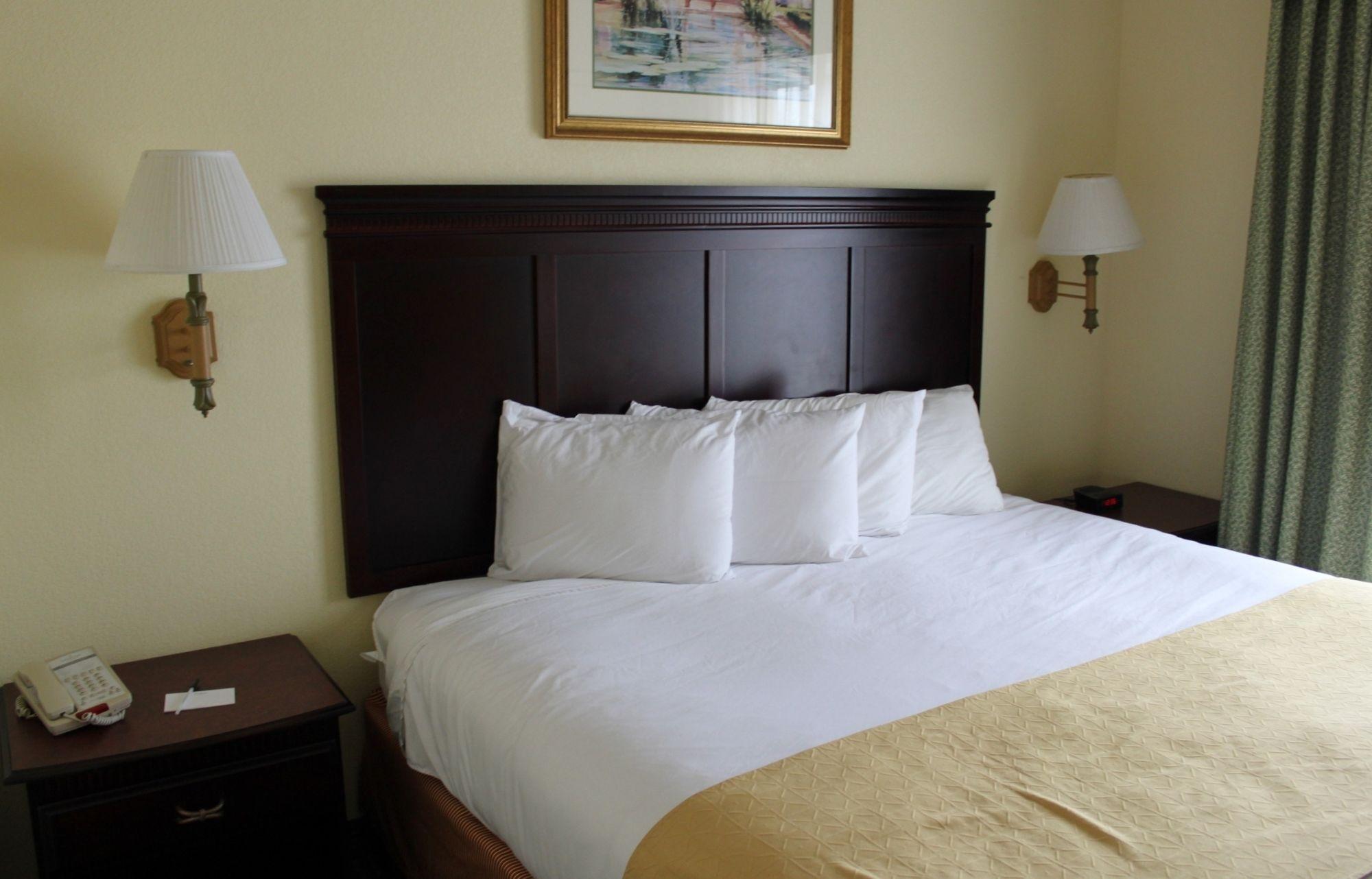 Country Inn & Suites in Calhoun, GA