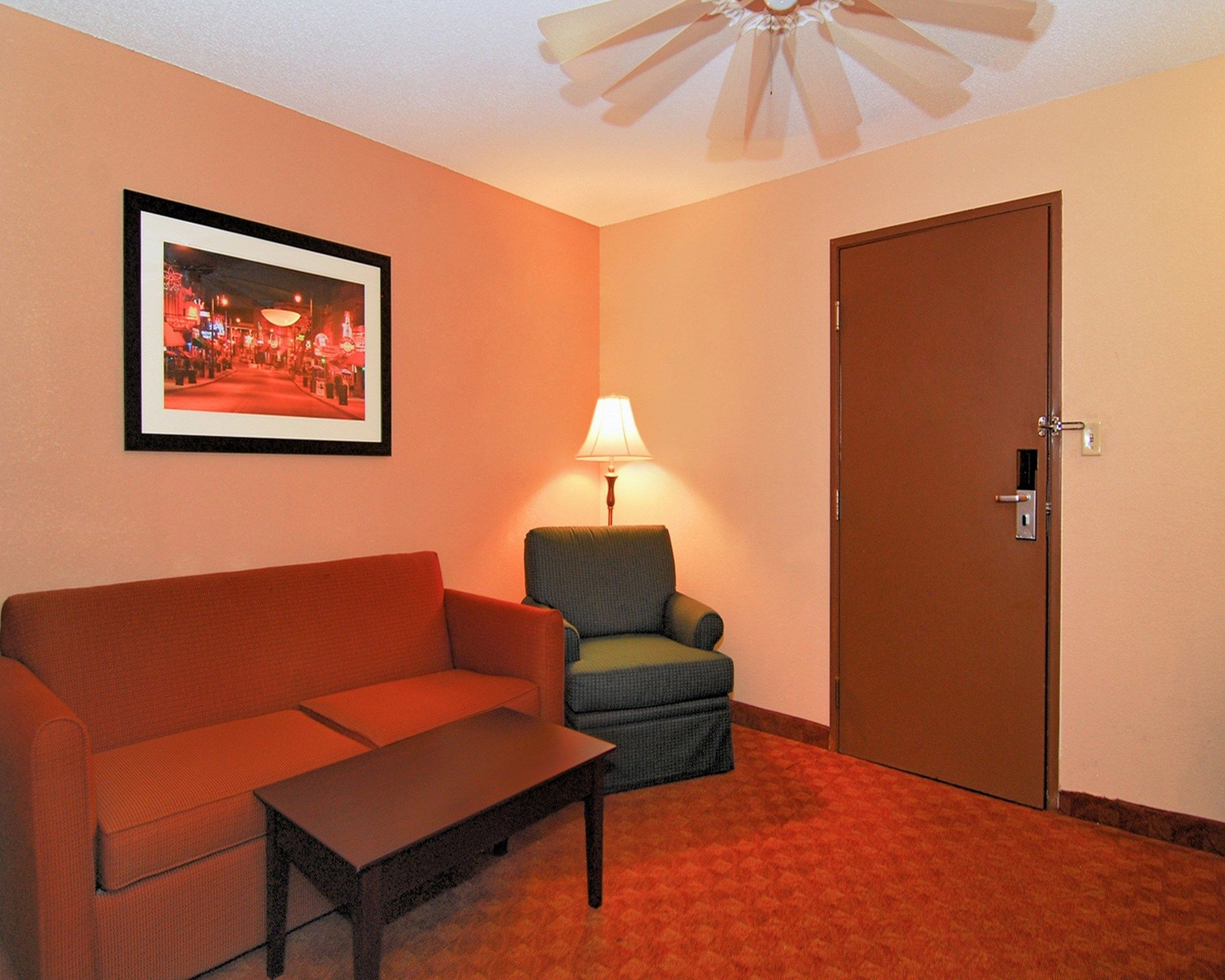 Quality Suites in Memphis, TN
