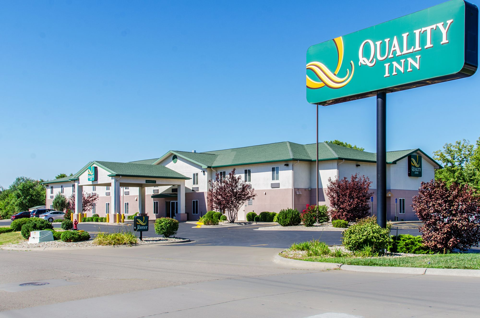 Quality Inn Coupons and Deals including: 10% Off for Senior Citizens, Up to 20% Off Participating Hotels, Up to 10% Off for AAA CAA Members, 10% Off for Active Military, Veterans and Dependants, Up to 10% Off for State Employees and Government Travelers, Get 10 Points Per $1 Plus Lowest Rate for Choice Privilege Members.