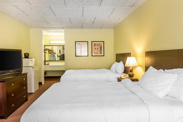 Clarion Inn in Brunswick, GA