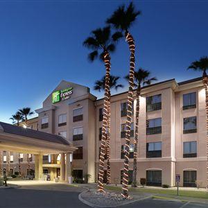 Holiday Inn Express Suites Yuma
