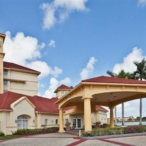 La Quinta Inn & Suites Ft Lauderdale Airport