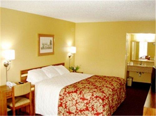 Vista Inn & Suites Hermitage in Hermitage, TN