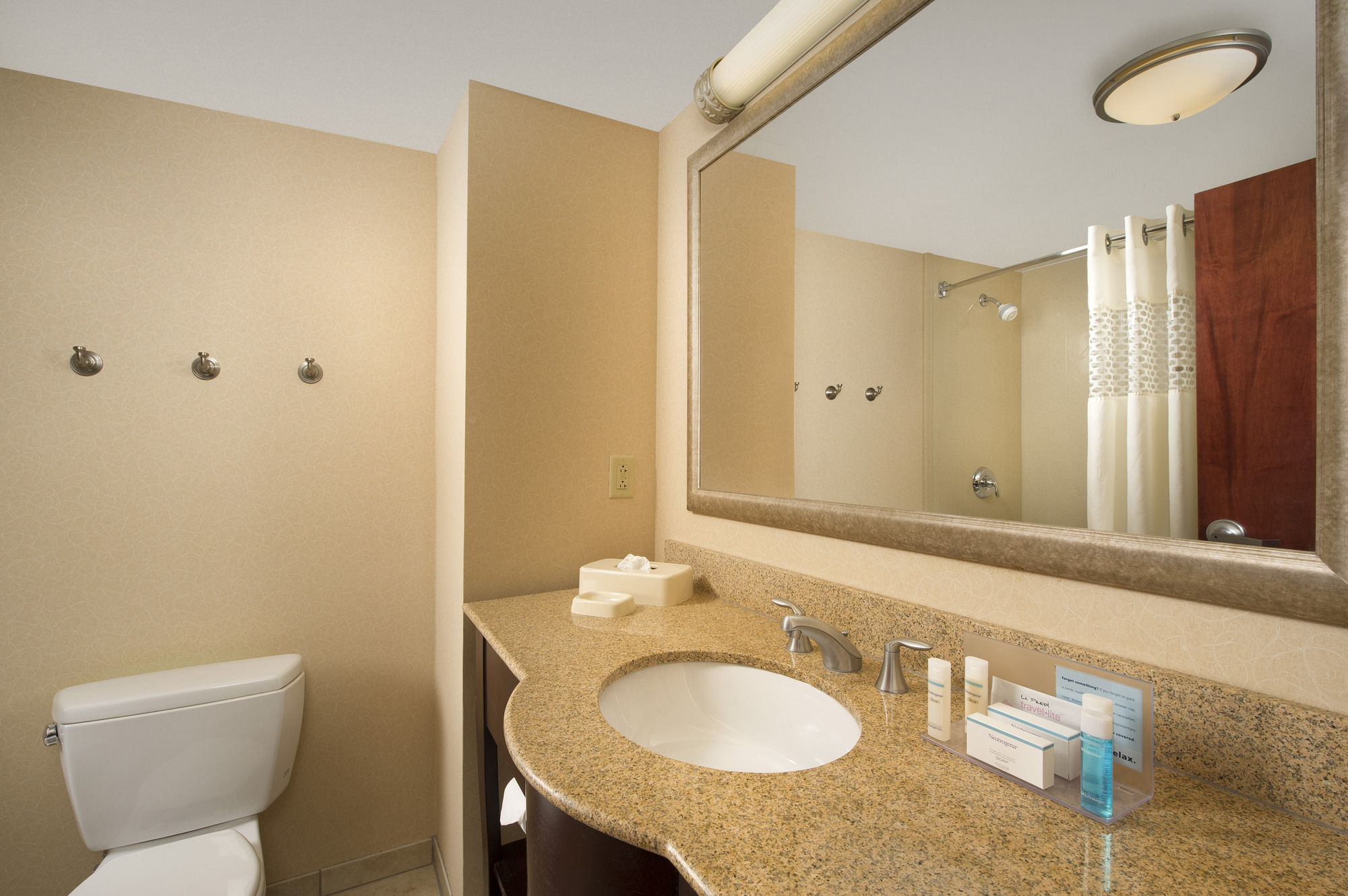 at syracuse bathroom ludlow lockport style syrac road the inn ny buckley comfort discount comforter suites vanities