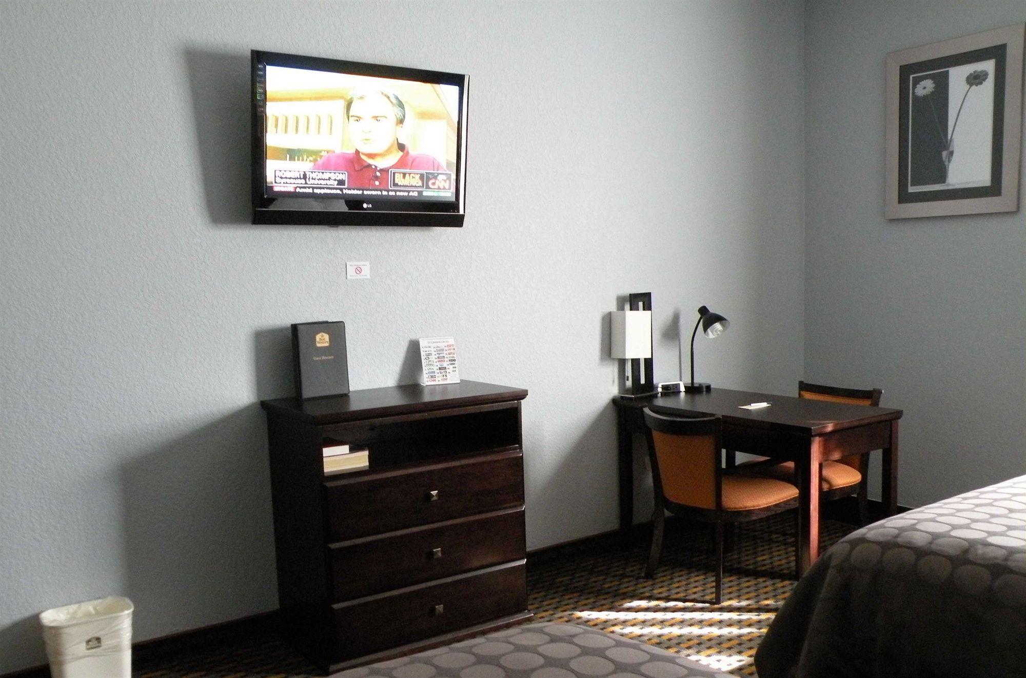 Best Western Bonita Springs Hotel & Suites in Bonita Springs, FL