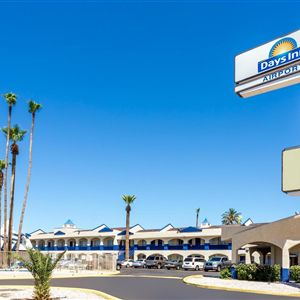 Days Inn Airport - Phoenix><span class=