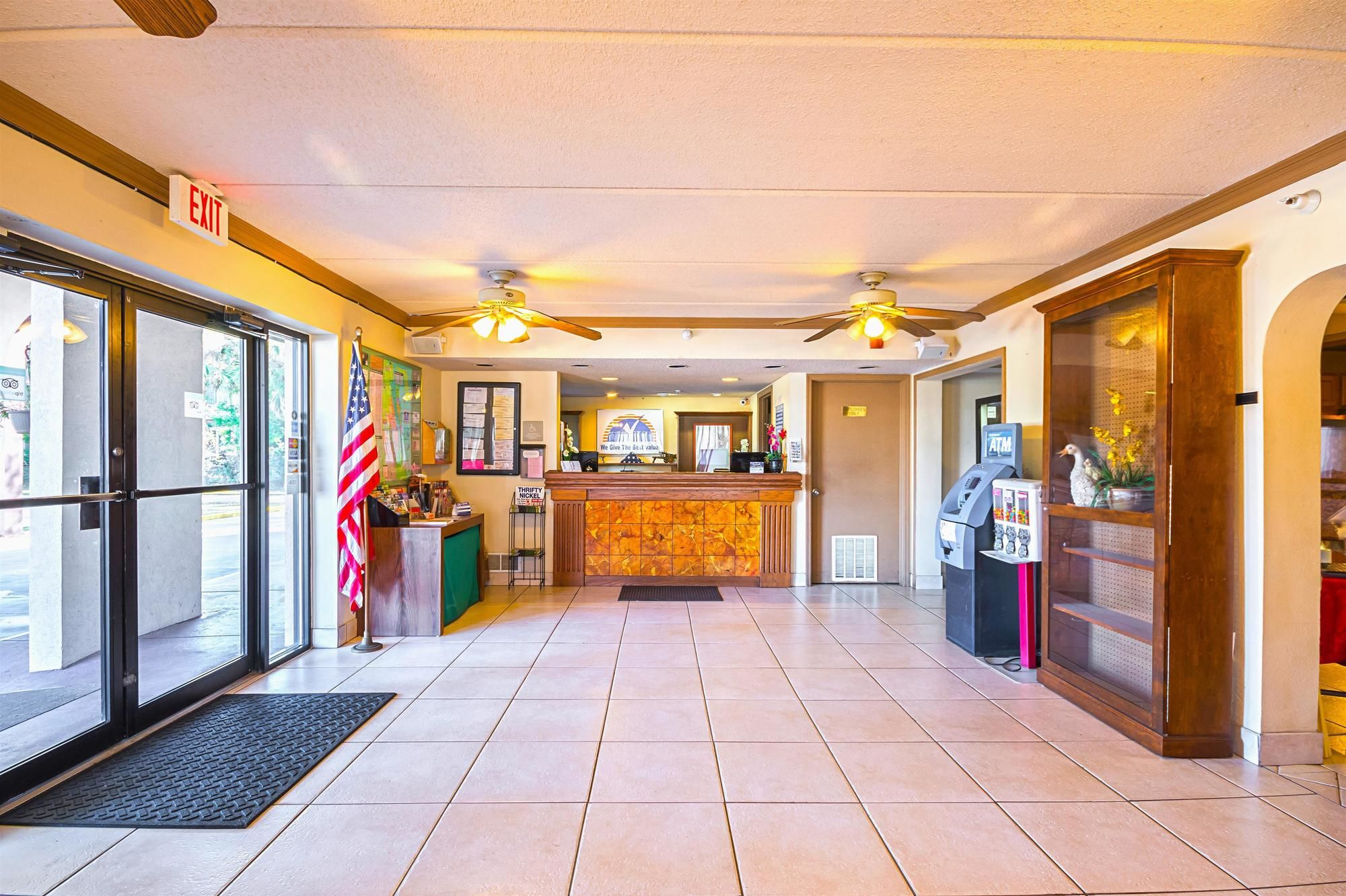 Americas Best Value Inn & Suites Melbourne breakfast