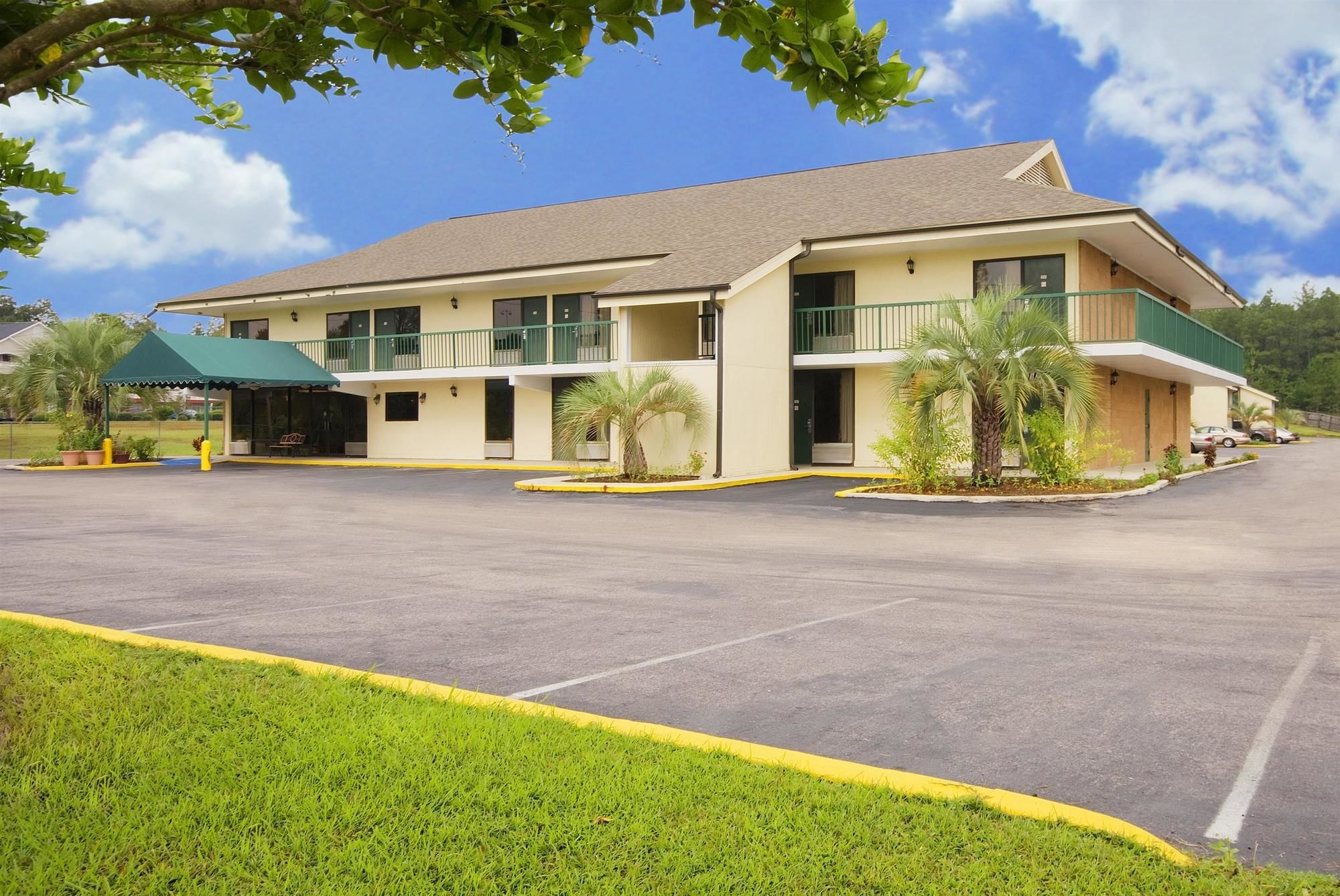 Americas Best Value Inn-Tillmans Corner/Mobile