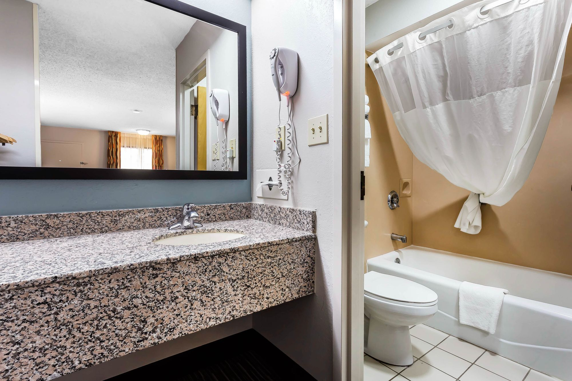 Quality Inn & Suites in Mooresville, NC
