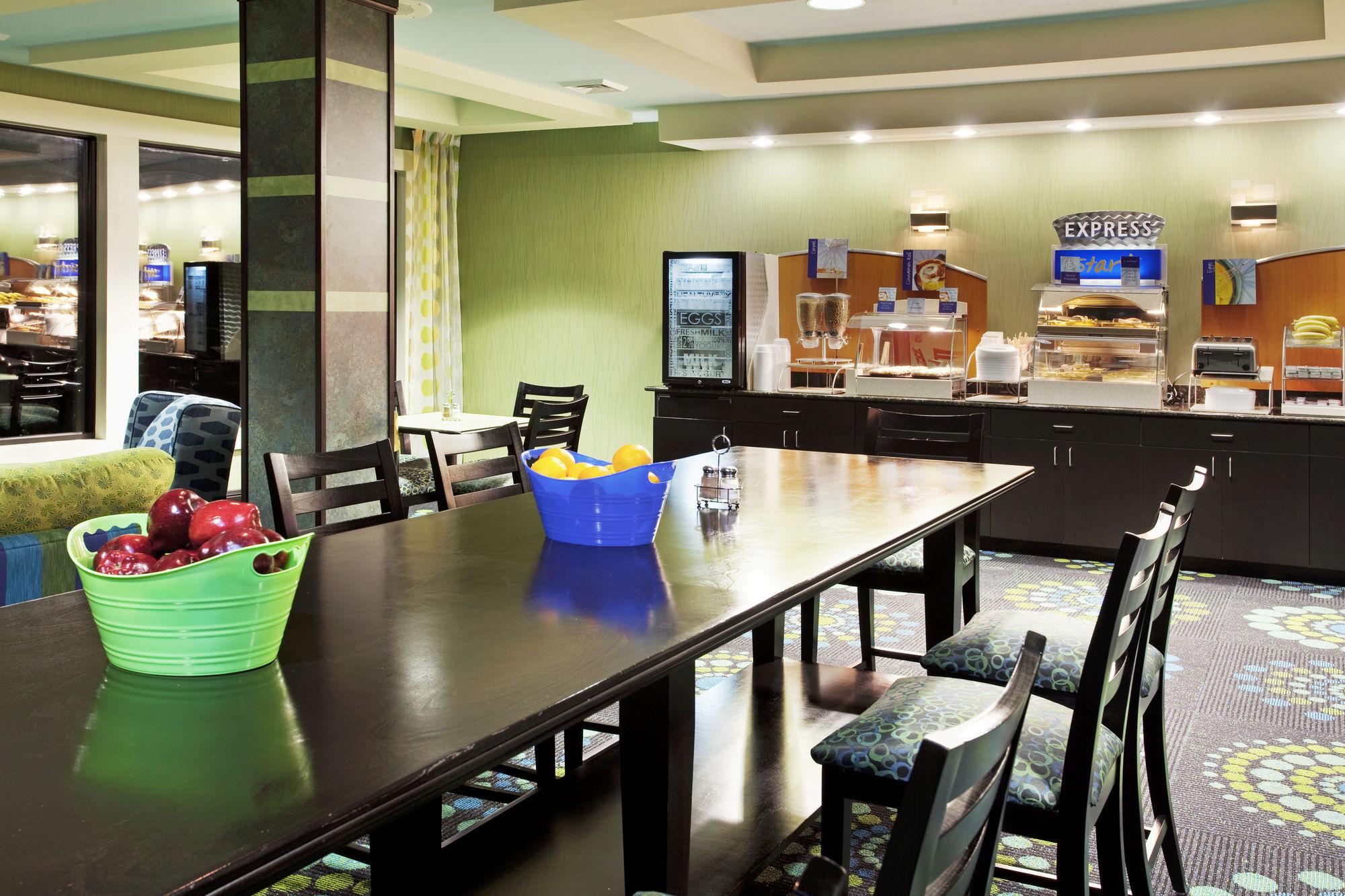 Holiday Inn Express & Suites in Salem, VA