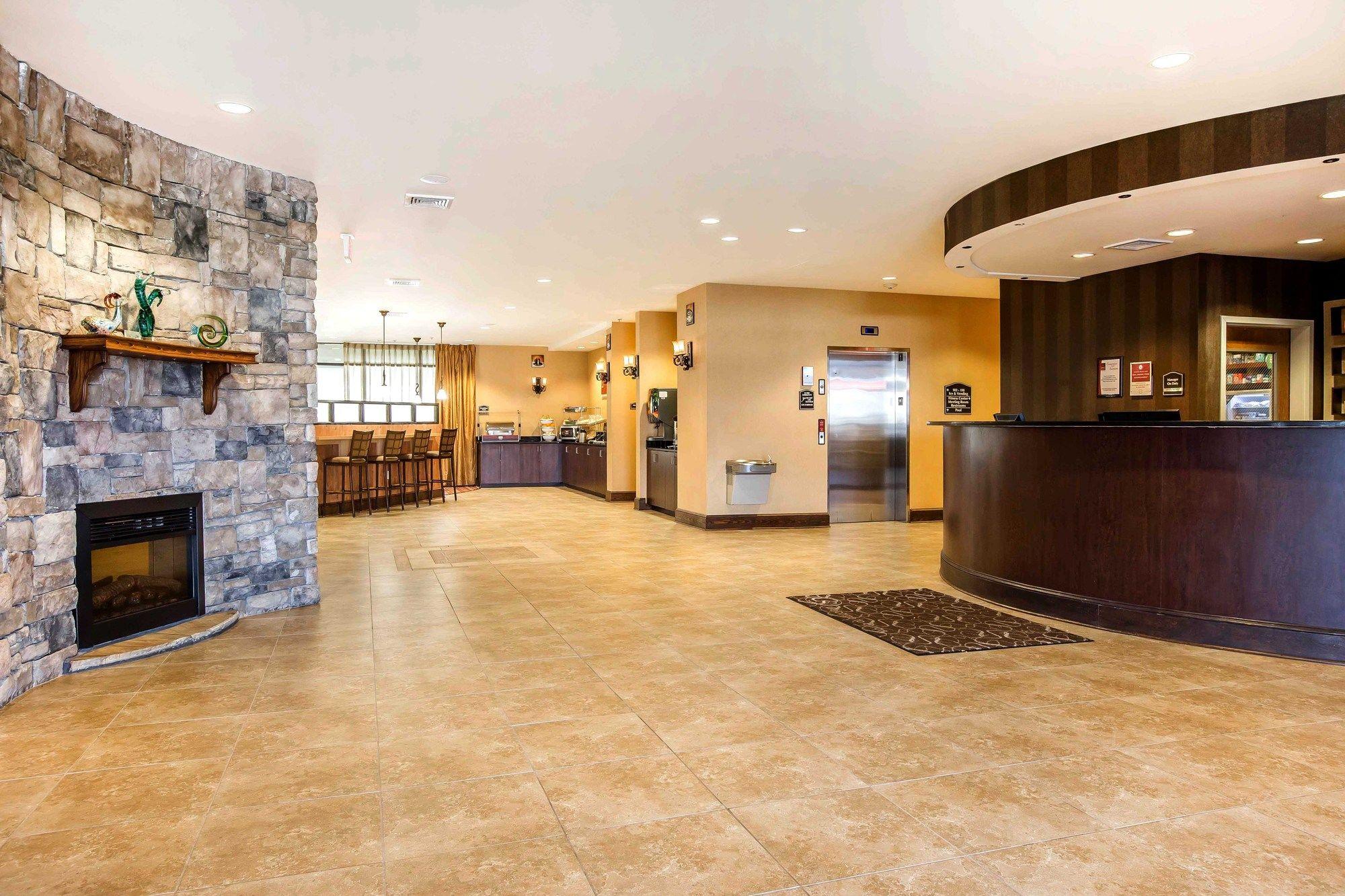 Comfort Suites Byron Pool.