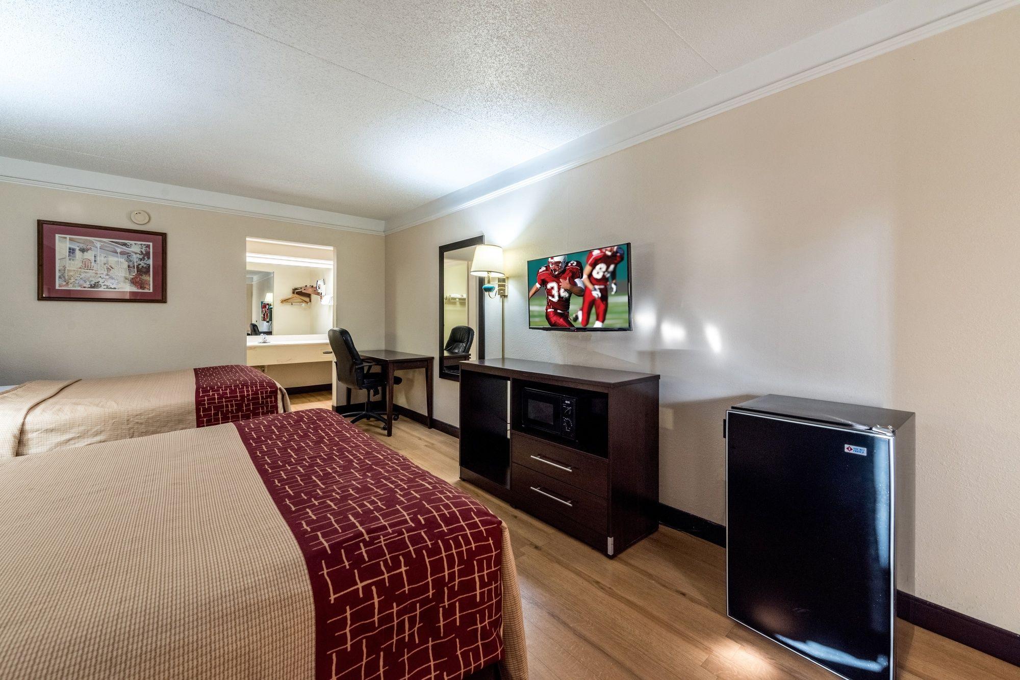 Red Roof Inn U0026 Suites Clinton