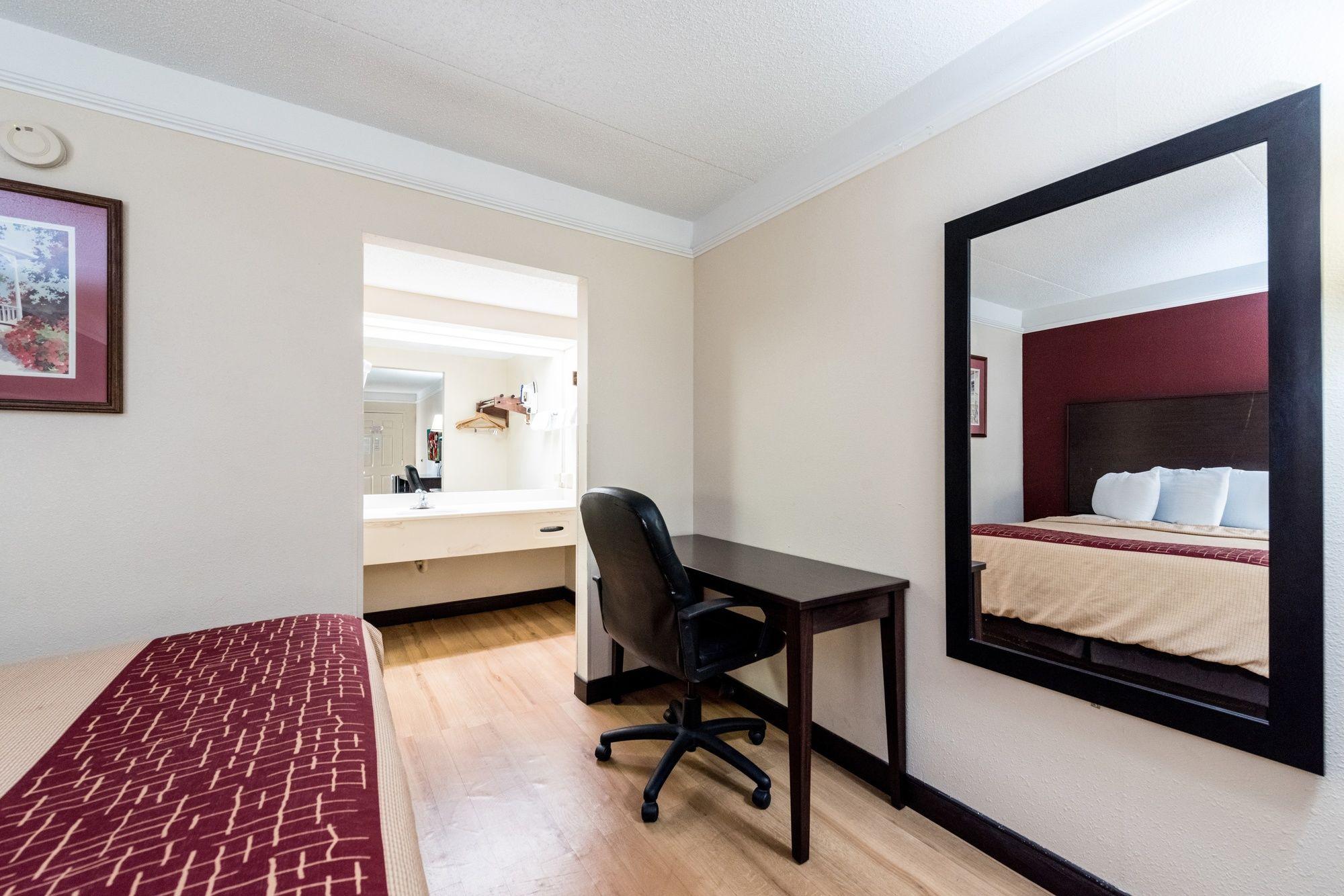Elegant ... TN Red Roof Inn U0026 Suites Clinton In Clinton, TN