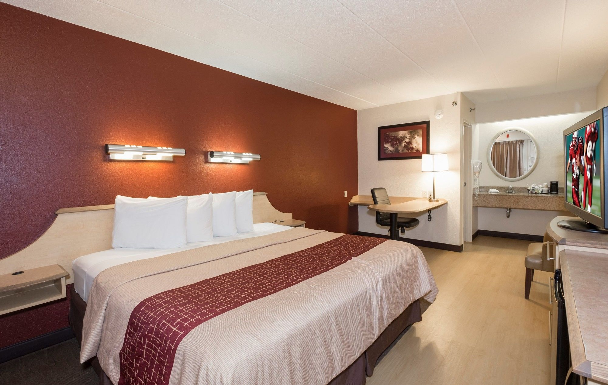 Red Roof Milford is renovated with all new rooms, a conference room, and an elevator. All rooms offer free WiFi and a flat screen TV. Experience our coffeehouse-style coffee and tea before exploring the nearby attractions.