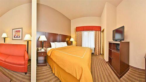 Comfort Suites in Portland, TN