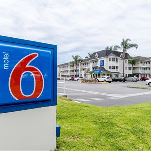 Motel 6 Buena Park - Knotts Berry Farm/Disneyland booking