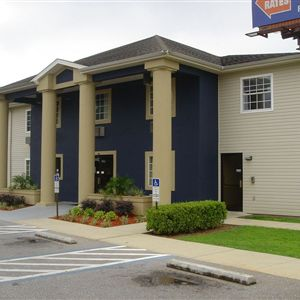 Travelodge Inn and Suites Pensacola