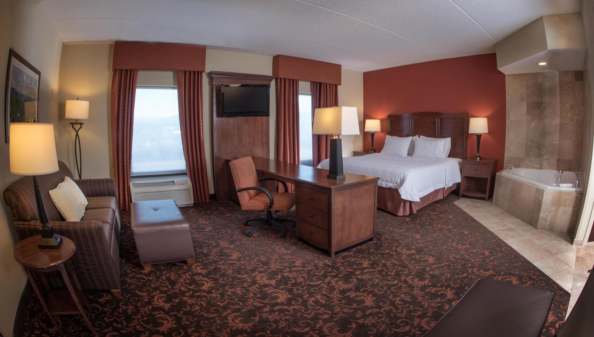 Hampton Inn & Suites in Woodstock, VA